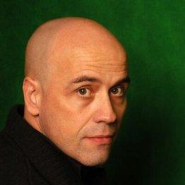 javier negrete - retrato - escritor - fantasia - minotauro
